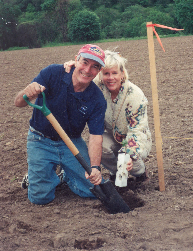 Freed Estate owners planting