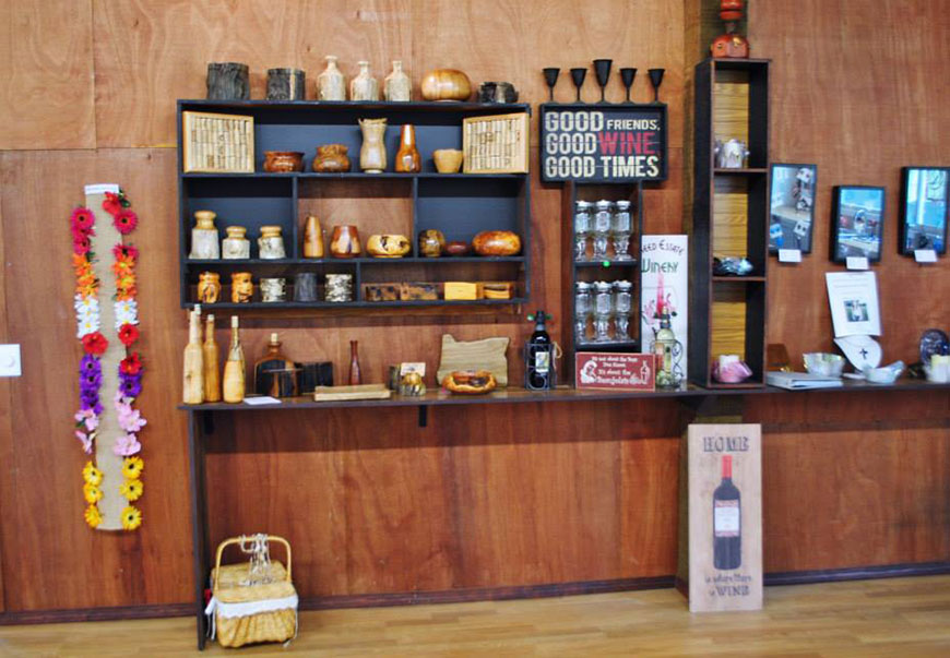 gift shop local art freed winery