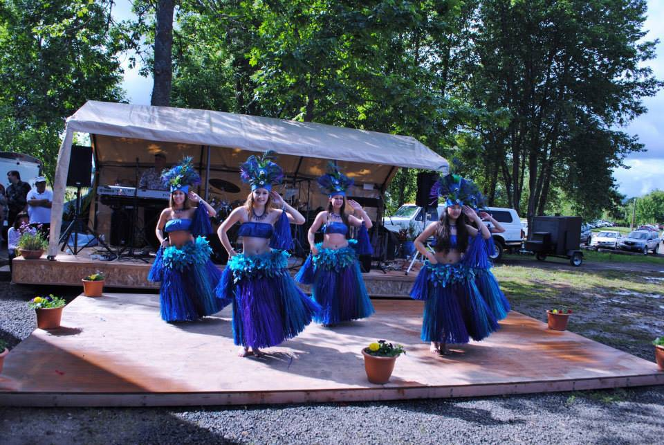 freed winery opening party hula dancing